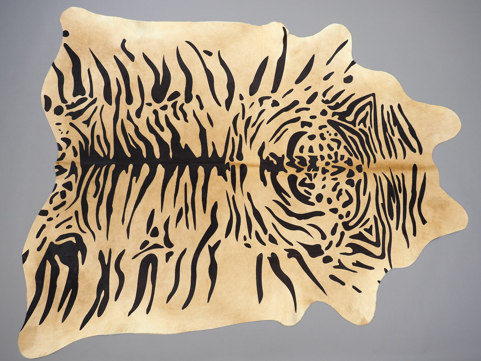 Шкура тигра — коровья шкура крашеная арт.: 25378