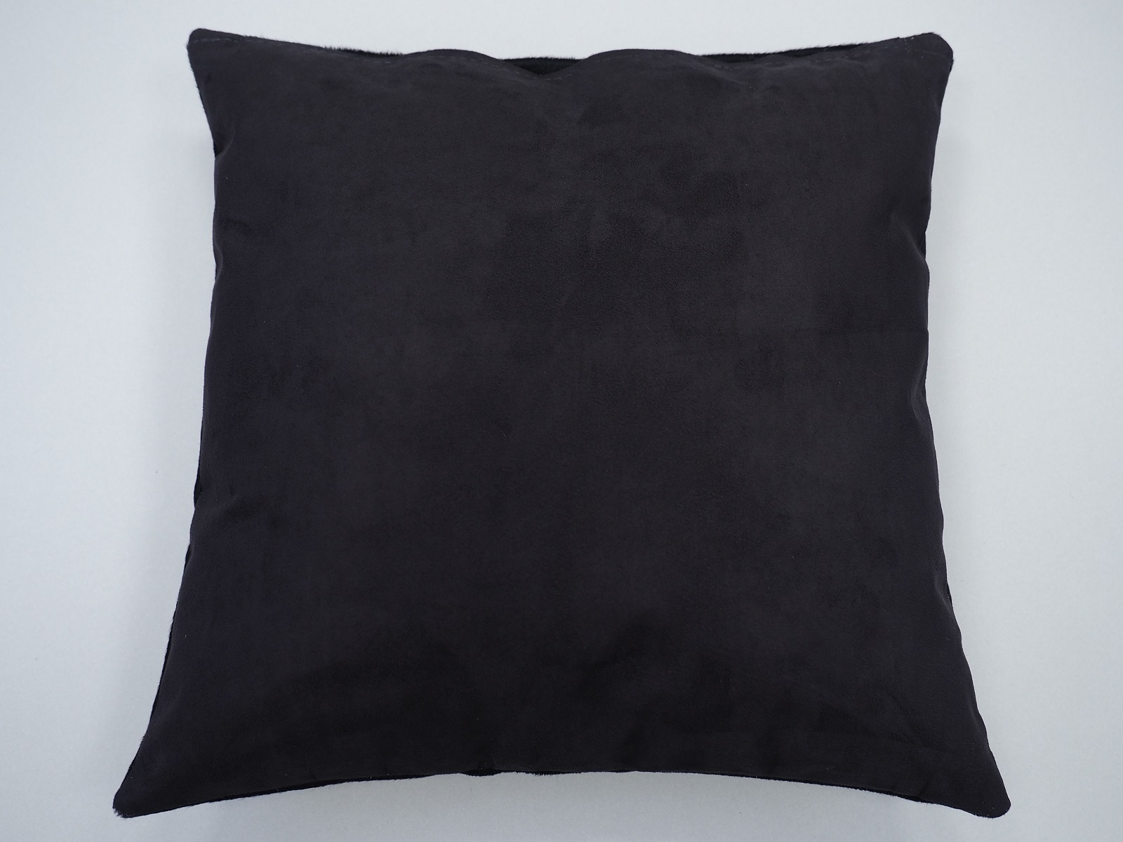 Декоративные подушки из коровьих шкур арт.: 27213